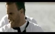 1ère photo du nouveau clip vidéo de TT à 5!!!!!! - Page 5 36c06d102725692