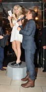 Nov 20, 2010 - Pixie Lott - Switching on Xmas Lights - Lakeside Shopping Centre in Essex 665395108405222