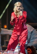 Nov 24, 2010 - Pixie Lott - The Crazycats Tour 6f570d108401944