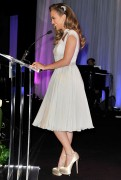 Jennifer Lopez @ UCLA Longevity Center�s 20th Anniversary ICON Awards for Jane Fonda