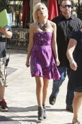 "Tori Spelling *Leggy* @ ""Extra"" TV Appearance At The Grove In Los Angeles -September 27th 2010 (HQ X24)"